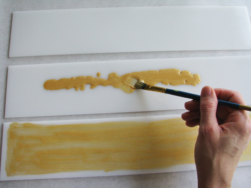 Painting gold mica on the dividers